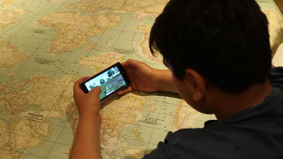 Evolution of mobile gaming: Gains, games and growing pains