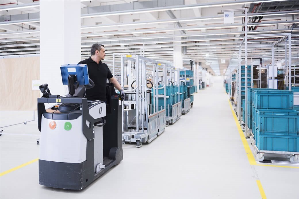 Logistics warehouse   - Logistics warehouse  - IoT data opportunity for logistics companies is here – IoT blog – Internet of Things